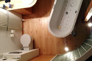 Ahorndielen im Badezimmer Kronberg